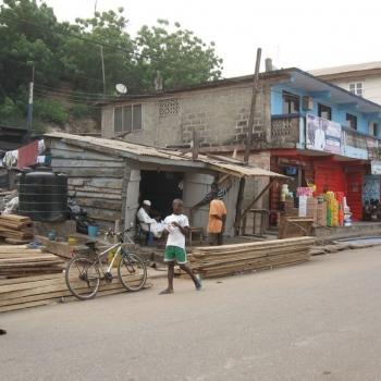 Straße in Elmina